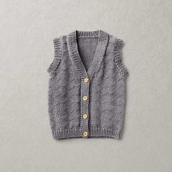 Vintage Style inspired Van Beren baby knit vest QUINN, handmade in Austria, high quality, eco conscious clothes, baby shower, baby belly party, hand knitted, fair fashion
