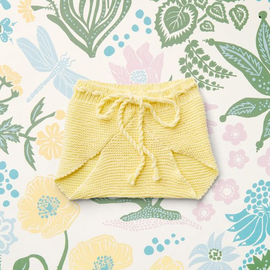 baby knit bloomers POLLY, organic cotton, hand made in Austria, VAN BEREN, vintage style inspired knits, high quality, eco-friendly clothing, conscious, baby present, baby shower, baby belly party, hand knitted, fair fashion, sustainable kids wear