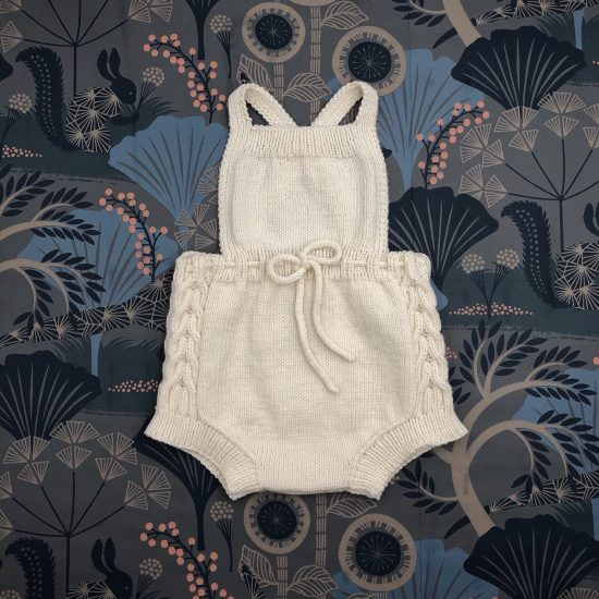 vintage style inspired Van Beren baby knit dungarees ROBIN, high quality, handmade in Austria, eco conscious clothes, baby shower, baby belly party, hand knitted, fair fashion