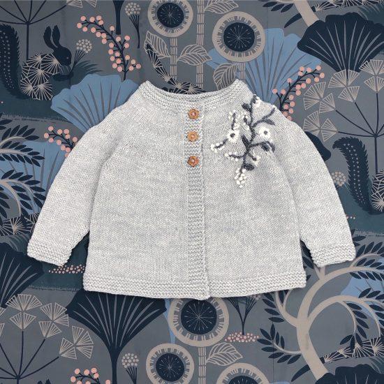 Vintage style inspired Van Beren knit cardigan MAVIE, handmade in Austria, merino wool, eco consciouis clothes, baby present, baby shower, baby belly party, hand knitted, fairfashion, heirloom, VAN BEREN