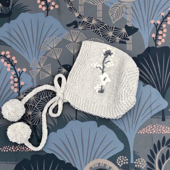 Vintage style inspired Van Beren knit bonnet MAVIE, handmade in Austria, merino wool, eco consciouis clothes, baby present, baby shower, baby belly party, hand knitted, fairfashion, heirloom, VAN BEREN