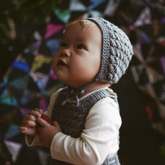 Knit bonnet ADELAIDE handknitted of virgin merino wool VAN BEREN