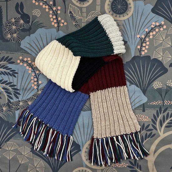 Knit scarf LINUS handknitted of virgin merino wool VAN BEREN