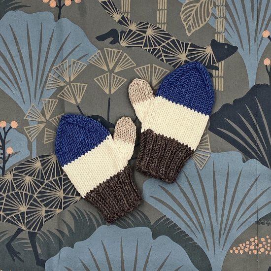 Knit mittens LINUS handknitted of virgin merino wool VAN BEREN