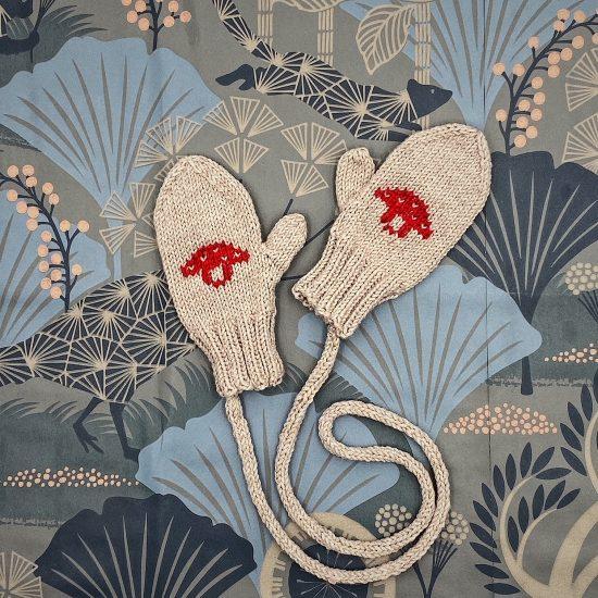 Van beren knit mittens JUSTUS handmade of merino wool