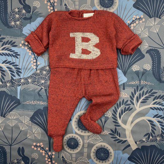 Baby set LETTER COLLECTION handknitted of merino wool VAN BEREN