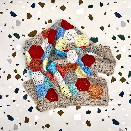 Crochet blanket HENDRIX handmade in Austria of organic cotton yarn