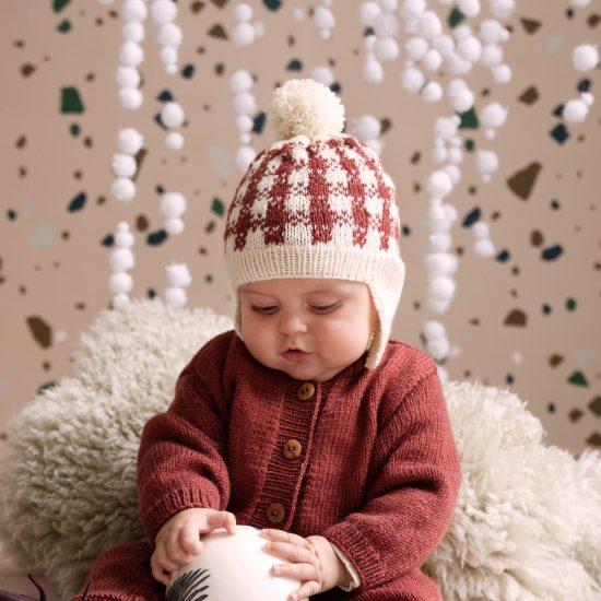 Knit bonnet MATS handmade of virgin merino wool in Austria VAN BEREN